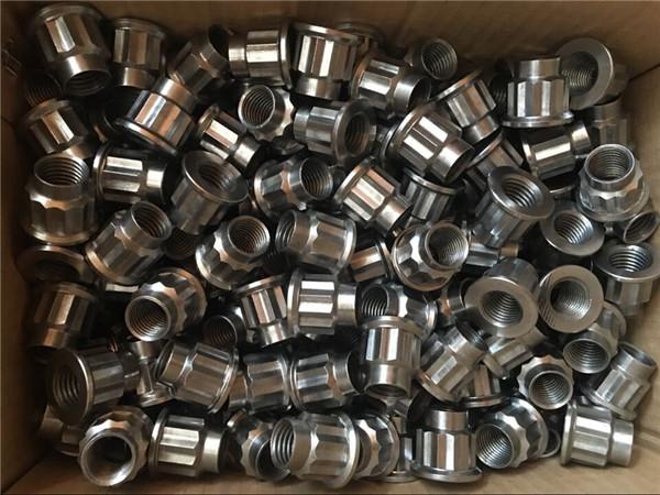 CNC со најдобар квалитет вртејќи ја орев од нерѓосувачки челик